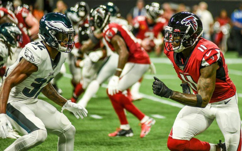 Julio Jones scores on a 54 yard touchdown run #NFL, #dirtybirds, #falcons, #inbrotherhood, #atlantafalcons, #ATL, #ASN #nfc, #nfcsouth