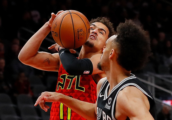 Trae Young goes to the basket #hawks, #atlantahawks,