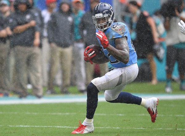 Tennessee Titans running back Derek Henry makes a move during in game action versus Kansas City Chiefs