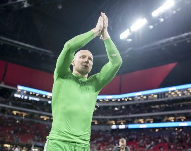 Brad Guzan signs an extension with Atlanta United until the 2023 season