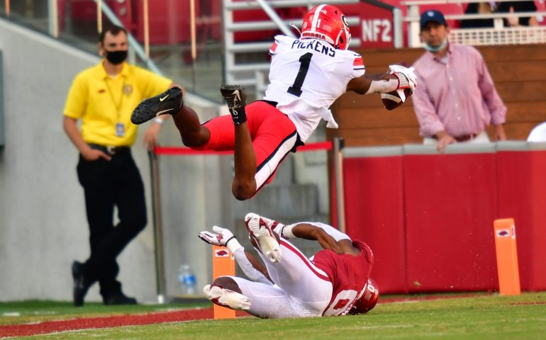 #dawgs, #Bulldogs, #UGA George Pickens leaps in the end zone to score a touchdown versus Arkansas Razorbacks