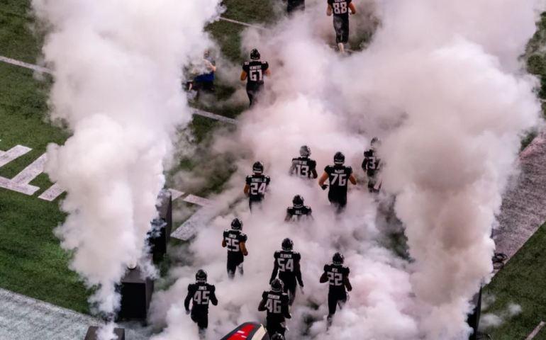 #falcons, #dirtybirds, Atlanta Falcons take the field
