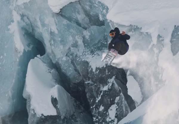 Snowboarding in Chamonix - Frozen Mind - Victor De Le Rue