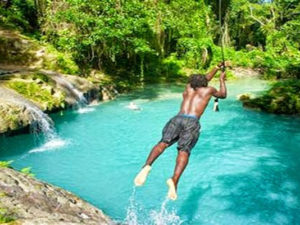 Plan your vacation with Active Caribbean Travel – Experience Jamaica's waterfalls with a knowledgeable Tour Operator