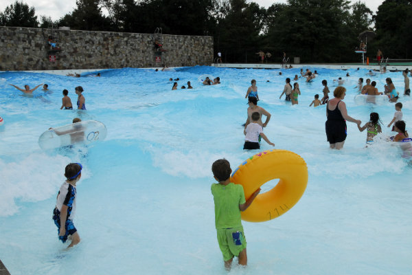 the wave pool at south park in allegheny county