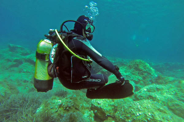 a number of dive centers in pittsburgh offer scuba certification classes