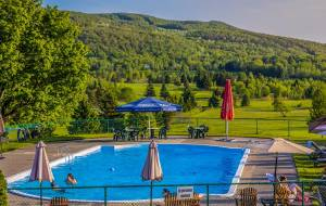 Château Bromont Pool