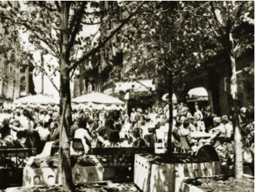 Beer garden at Yonge and Queen, 1971. Toronto Star.