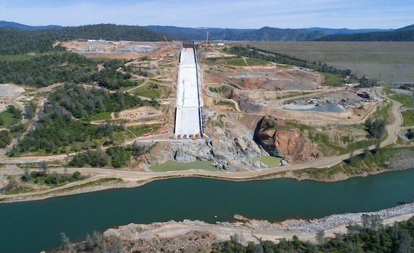 Water Flows Double on Oroville Dam Spillway to 25,000 CFS