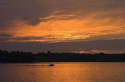 waukesha county lake homes,waukesha county lake property for sale,lake homes for sale in waukesha county wisconsin,waukesha county life,tom braatz