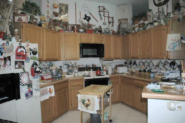 26 Awful Real Estate Agent Pictures