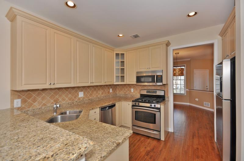 3 Bedroom Townhome in Roseland Green