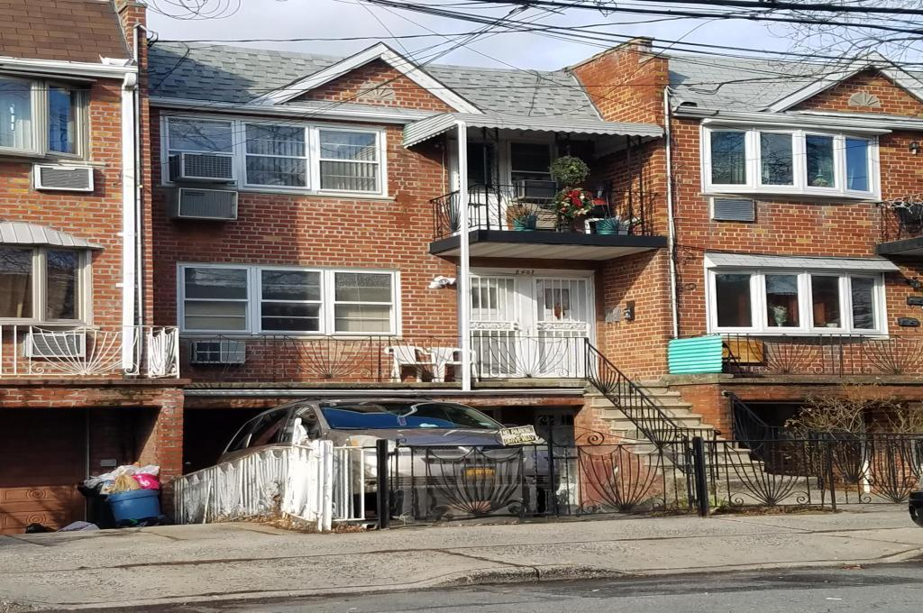 attached Brick  row houses in canarsie brooklyn