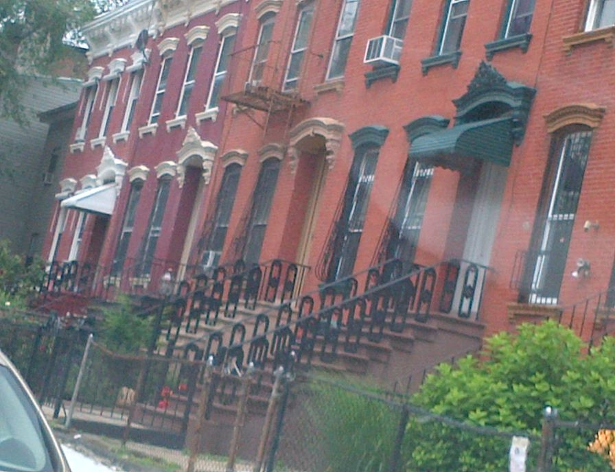 attached brownstone homes in brooklyn, real estate agents in brooklyn