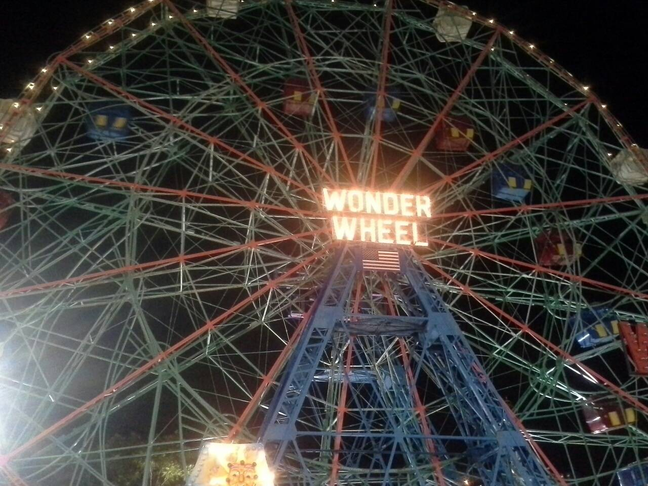 wonder wheel at coney island brooklyn, coney island brooklyn