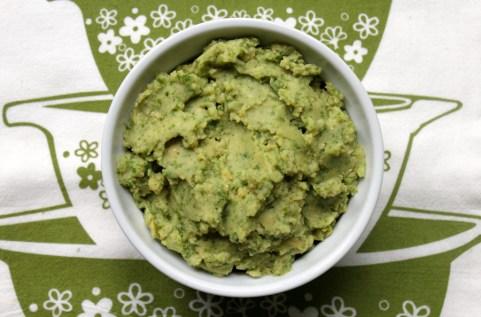 Garlic-Kale-Hummus-2-1024x675