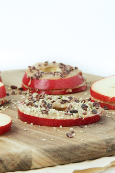 Apple Almond Butter Snack by Active Vegetarian #raw #vegan #snack #kidfriendly 4
