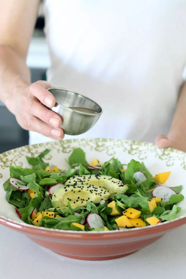 Refreshing Spinach Mango Salad by Active Vegetarian