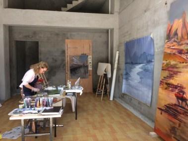 artiste dans atelier 2