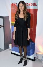 sarah-jessica-parker-tracy-reese-dress-manolo-blahnik-booties-new-school-h724