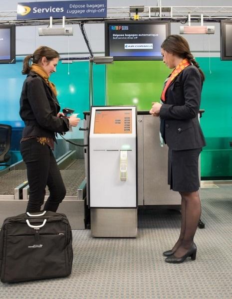 Drop-off automatisé aux bornes d'enregistrement Air Corsica