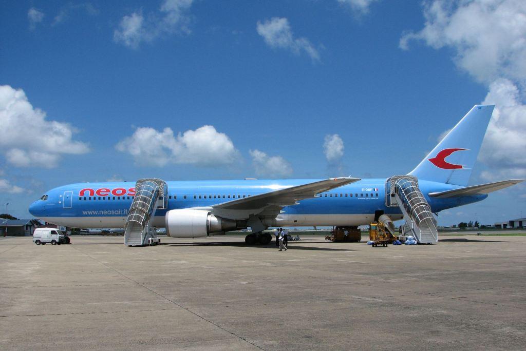 Neos Airline B767-300/ER
