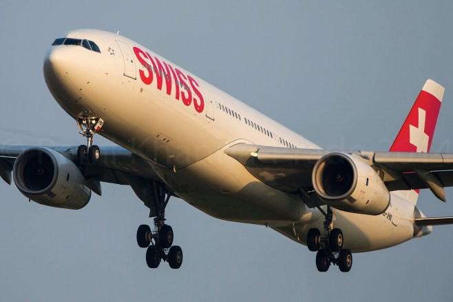Airbus A330 SWISS en approche finale