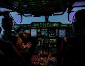"""En vol abord du 2eme A400M de l'armée de l'Air direction Villacoublay après la cérémonie qui le voit baptise """"Ville de Toulouse"""" chez Airbus a l'aéroport de Toulouse- Blagnac"""