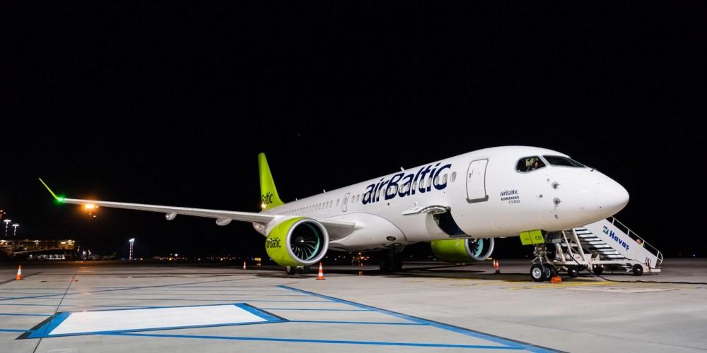 Bombardier CS300 airBaltic / YL-CSI à Riga