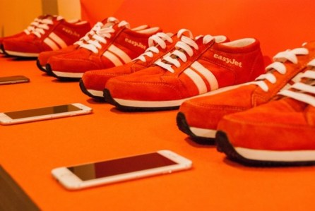 easyjet-sneakairs-wired-