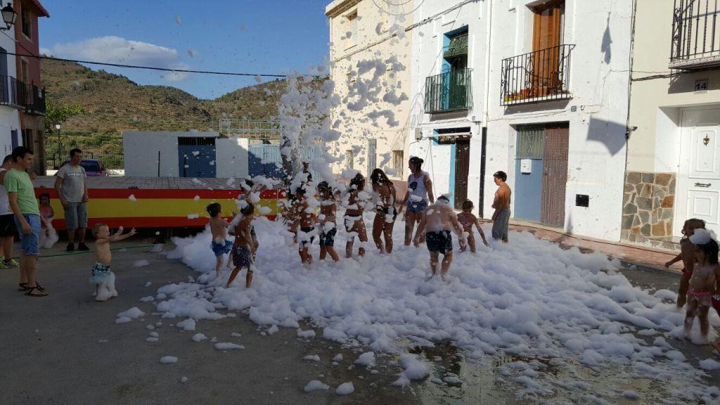 Fiesta de la espuma en Cárrica. Año 2016
