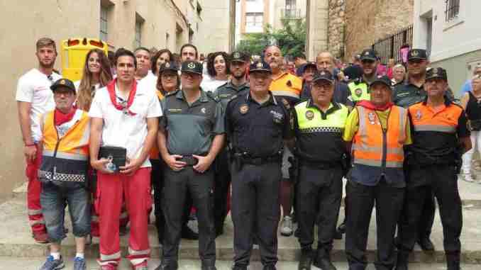 Miembros de las diferentes fuerzas de seguridad y ambulancias