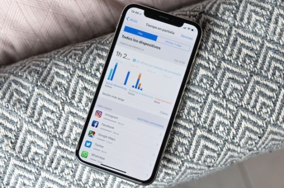 Imagen de una tarjeta de crédito control parental en dispositivos Apple