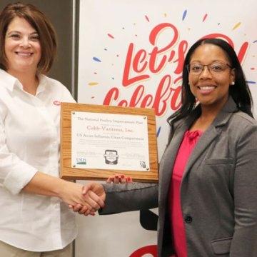 Cobb-Vantress recibe certificación del NPIP por su Compartimentación Libre de Gripe Aviaria