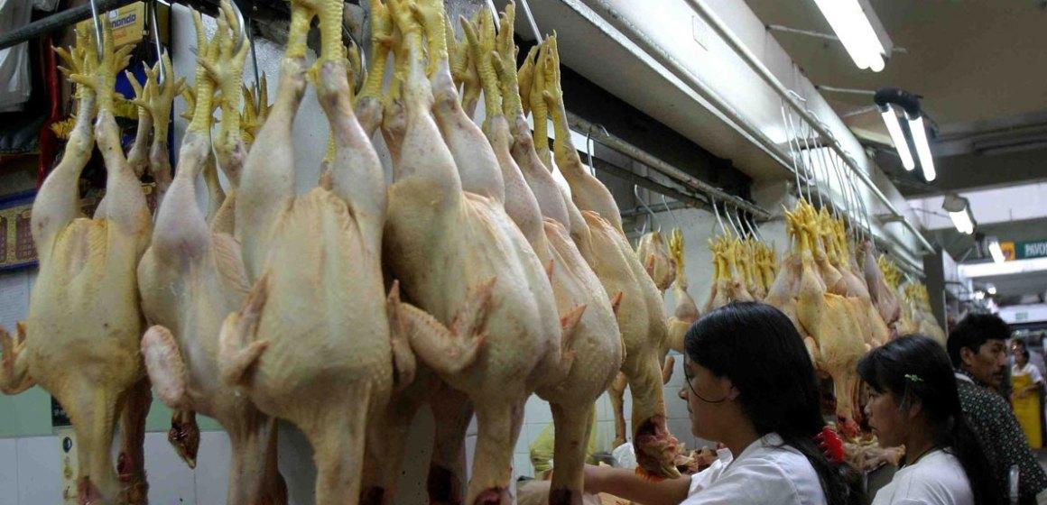 Denunciaron aumento del precio del pollo en La Libertad