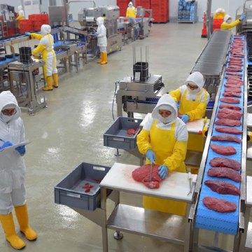 Panamá: plantas procesadoras de carne reparten a domicilio