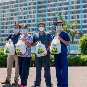Roky's y San Fernando entregan 1500 almuerzos de pollo a la brasa para personal médico del Hospital Rebagliati