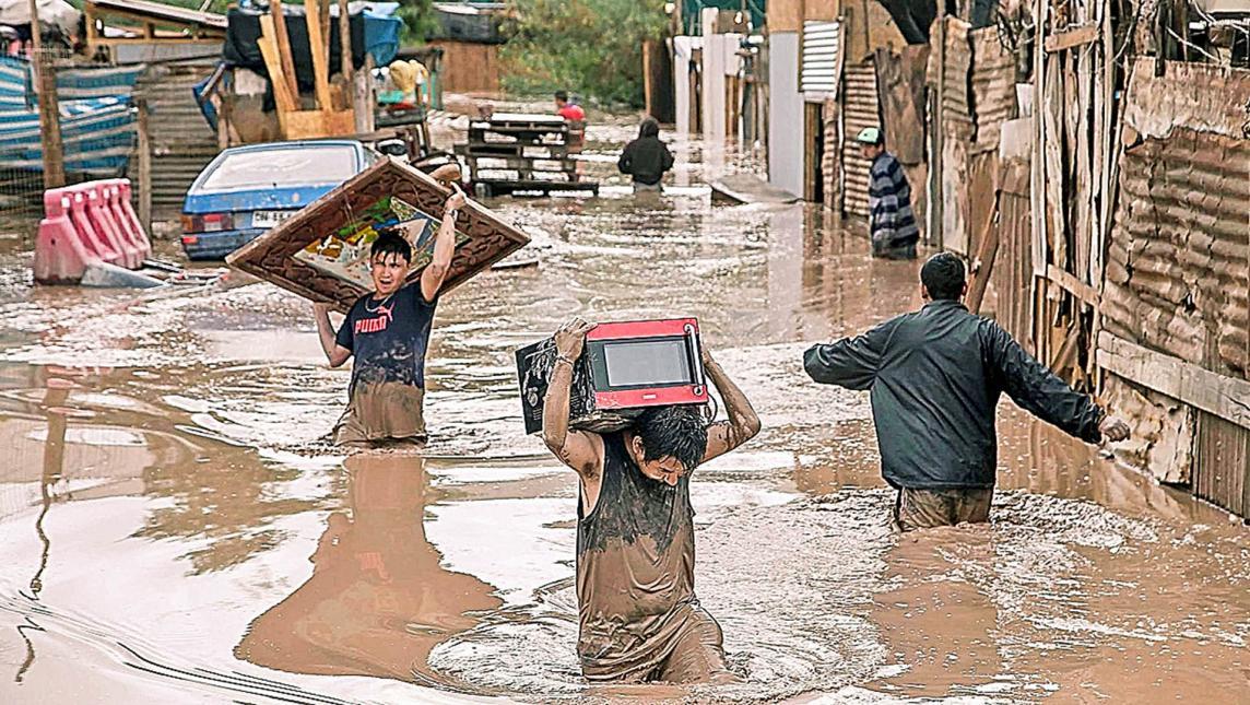 Los damnificados alcanzan las 100 mil personas (Foto AP)