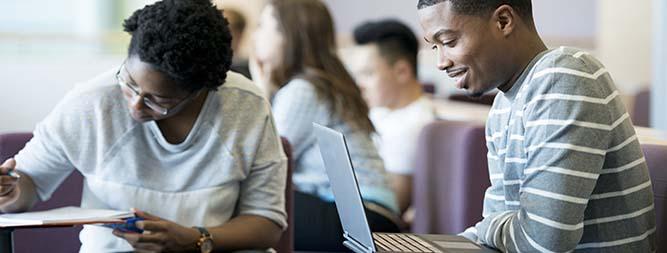 FUNIBER lance un appel de bourses 2017 pour les étudiants de l'UCAD
