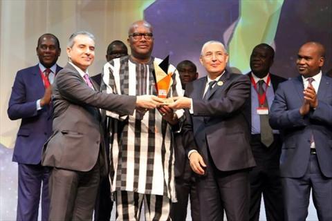 FORUM INTERNATIONAL AFRIQUE DEVELOPPEMENT: le président du Faso lauréat d'un trophée