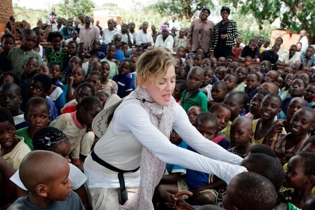 MALAWI : la chanteuse Madonna ouvre une unité pédiatrique