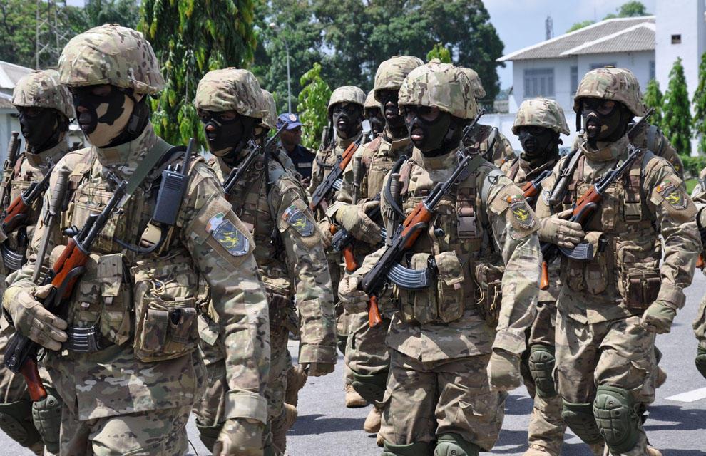 COTE D'IVOIRE : trois soldats radiés après des tirs dans deux  camps militaires