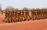 """LUTTE CONTRE LE TERRORISME : les armées malienne et burkinabé accusées de """"graves violations"""" des droits humains"""