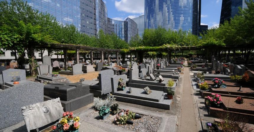 PARIS : pénurie de places dans les cimetières