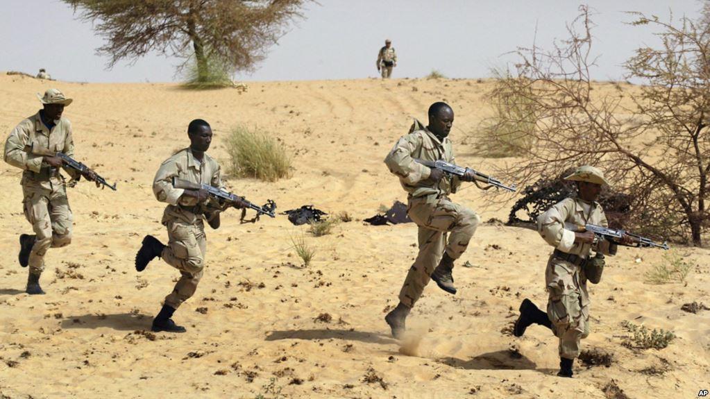 MALI: au moins 21 soldats tués lors de l'attaque d'un camp militaire par des présumés jihadistes