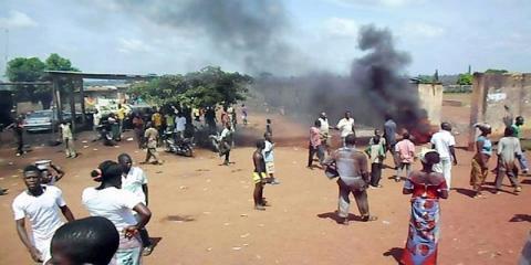 COTE D'IVOIRE: des affrontements interethniques font 7 morts et 44 blessés à Béoumi