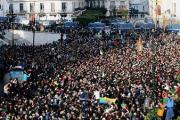 PRESIDENTIELLE ALGERIENNE: marée humaine à Alger contre le nouveau président élu