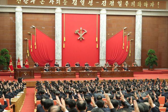 Une réunion du bureau politique du comité central du Parti, le 29 juin à Pyongyang (Corée du Nord).