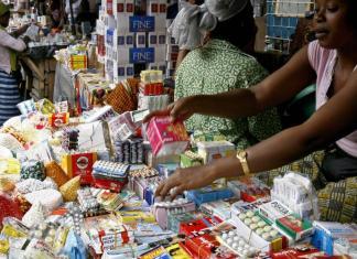 La lutte contre les faux médicaments