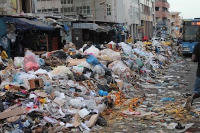 La collecte des ordures reprend à Dakar